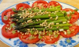 asparagus with tomato salad